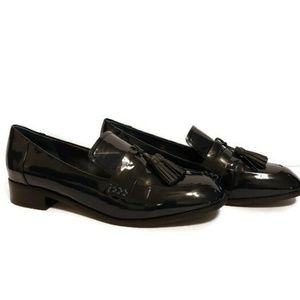 Tahari Tina Navy Blue Patent Leather Loafers sz: 8
